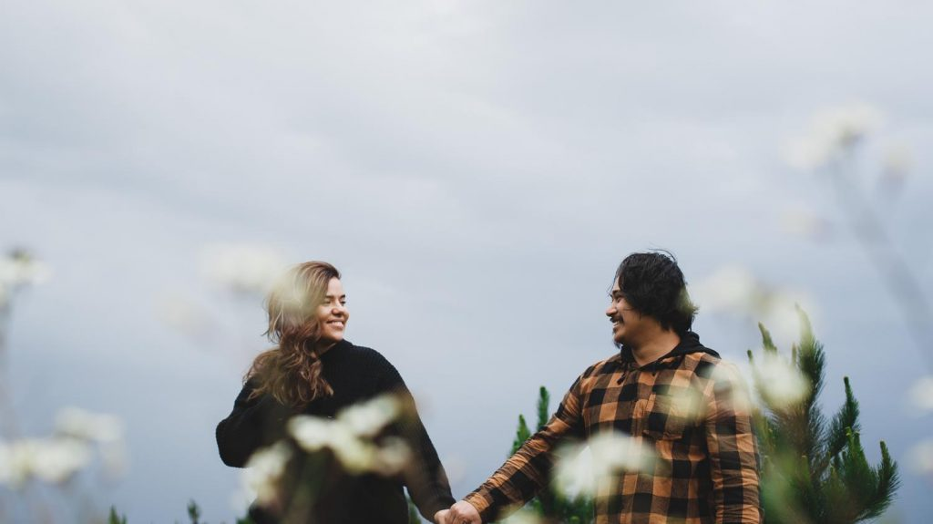 Traralgon Engagement Pre-Wedding Photography, windy weather, couple and their dog, gippsland, phillip island wedding photography